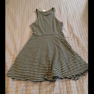 Fit and flare skater dress. White and grey striped